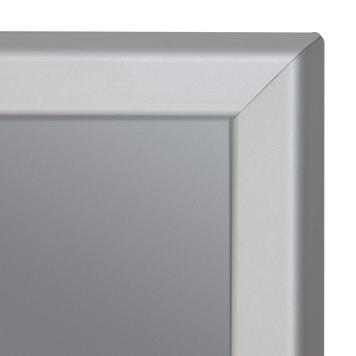 Bacheca a cavalletto impermeabile, profili da 32 mm, bifacciale, con spigoli smussati, anodizzata argento
